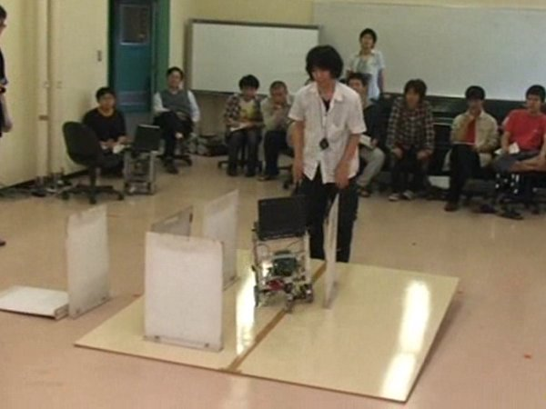Download 2nd place: Passive Locomotion System - Prototype